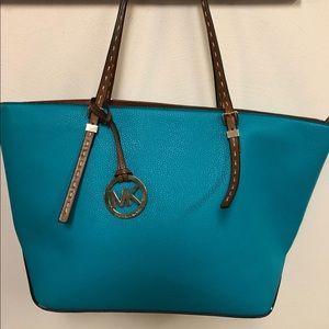 Beautiful Michael kores bag
